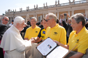 Sarah Schäfer und Papst in Rom